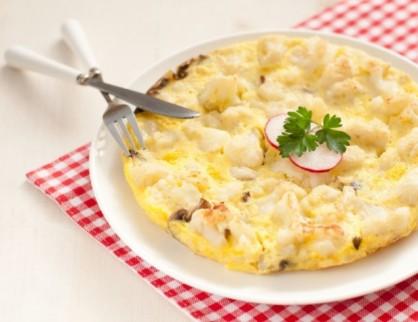 omlet_iz_tsvitnoju_kapustoju-638x492